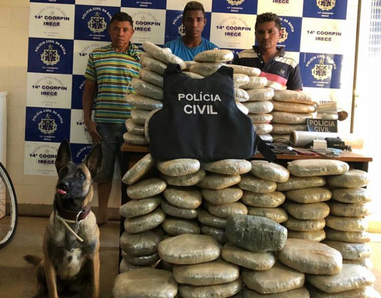 Três suspeitos de tráfico foram presos em flagrante - Foto: Divulgação | SSP