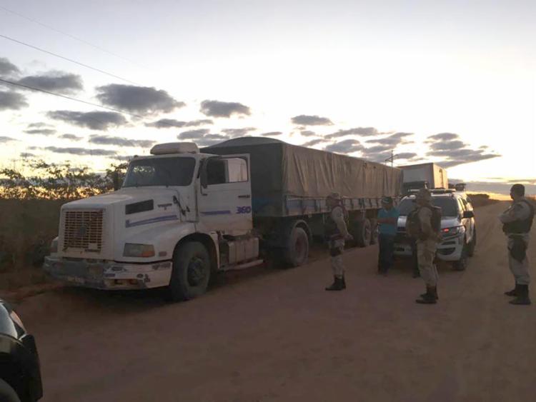 O veículo havia sido levado de assalto, por quatro indivíduos armados, na noite de quinta-feira, 21 - Foto: Reprodução | Sigivilares