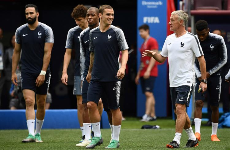 Os Bleus precisam apenas de um empate para garantir a primeira colocação - Foto: Franck Fife | AFP