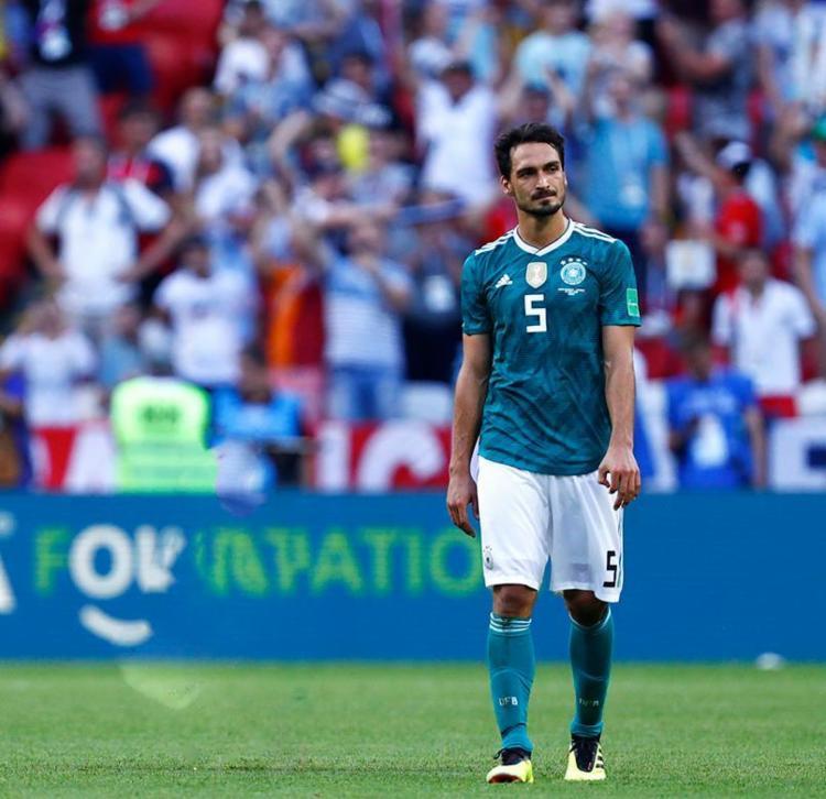 O zagueiro alemão reconheceu que a atual campeã está há meses sem fazer um bom jogo - Foto: Benjamin Cremel | AFP