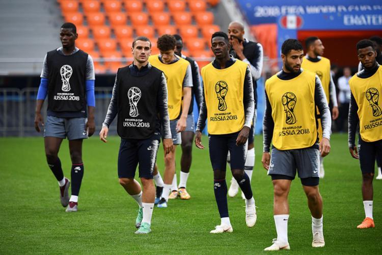 Buscando convencer, seleção francesa tentará de vencer para encaminhar classificação - Foto: Franck Fife | AFP