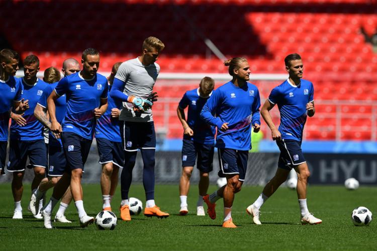 O técnico da Islândia aposta na força da defensiva da sua seleção - Foto: Yuri Cortez | AFP