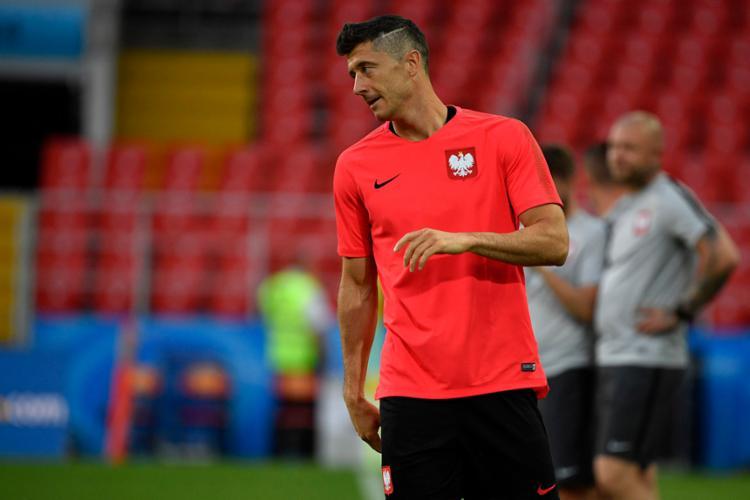 Lewandowski durante treinamento para o duelo desta terça-feira - Foto: Alexander Nemenov | AFP