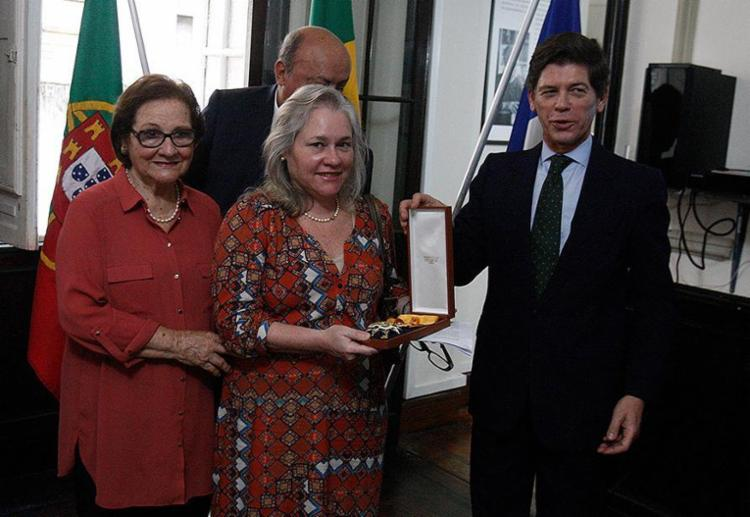 D. Solange e Lídia Boaventura com o cônsul Jorge Cabral - Foto: Luciano da Matta l Ag. A TARDE
