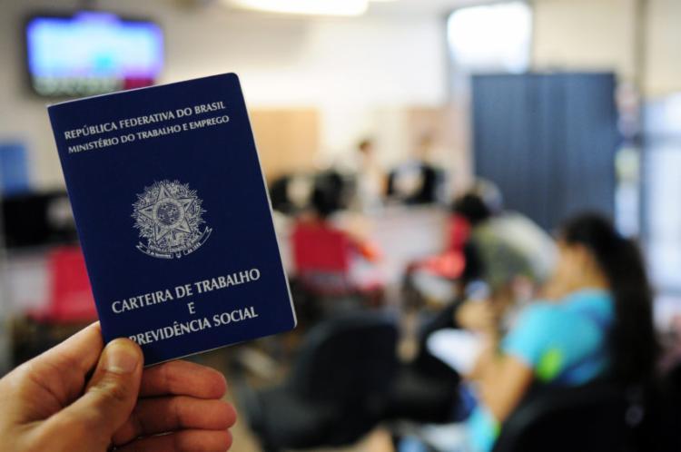 Há menos 536 mil desempregados em relação a um ano antes, o equivalente a um recuo de 3,9% - Foto: Pedro Ventura | Agência Brasília | Fotos Públicos