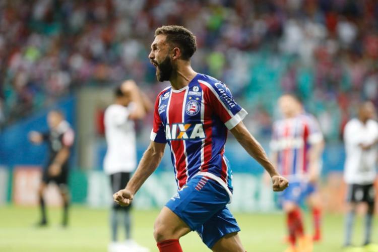 Allione comemora gol que empatou a partida no último minuto - Foto: Margarida Neide | Ag. A TARDE