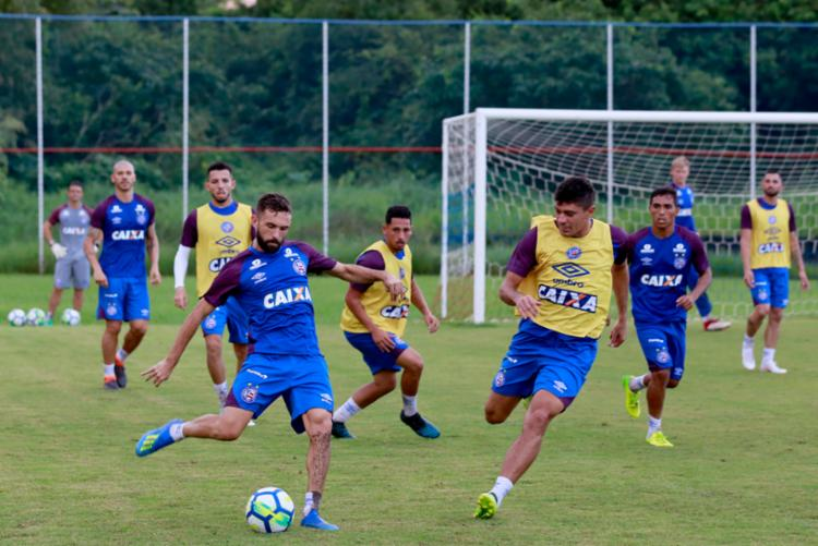 Os atletas participaram de uma atividade com bola no Fazendão - Foto: Felipe Oliveira | EC Bahia