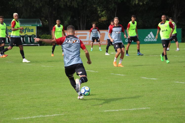 O atletas participaram de um treino tático no CT do Palmeiras - Foto: André Hiltner | EC Vitória