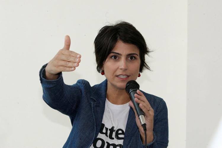 Apoiadores de Manuela consideraram que a presidenciável foi vítima de machismo durante a entrevista - Foto: Luciano da Matta | Ag. A TARDE