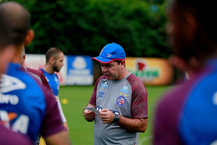 Enderson ainda não decidiu sobre a formação do ataque Tricolor para a partida desta terça-feira, 26, na Fonte - Foto: Felipe Oliveira l EC Bahia