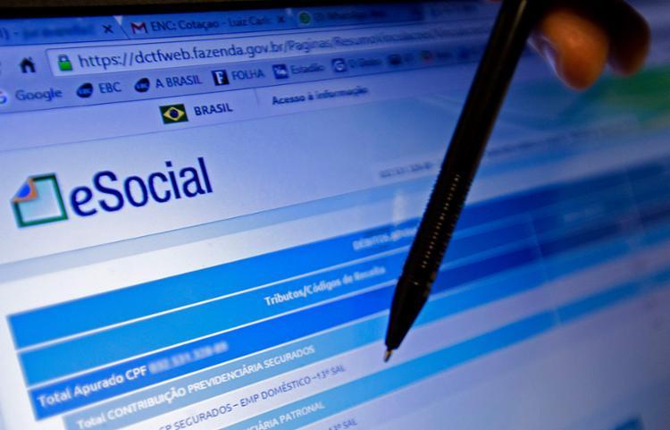 A não adoção do e-Social e da certificação digital pode implicar multa - Foto: Marcelo Camargo l Ag. Brasil l 8.1.2016