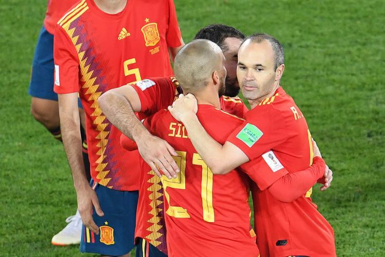 Jogadores da Fúria celebram classificação - Foto: Ozan Kose l AFP