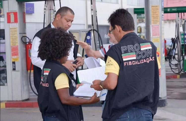 Procon fiscaliza compra e venda do diesel com desconto - Foto: Ed Santos | Reprodução | Site Acorda Cidade