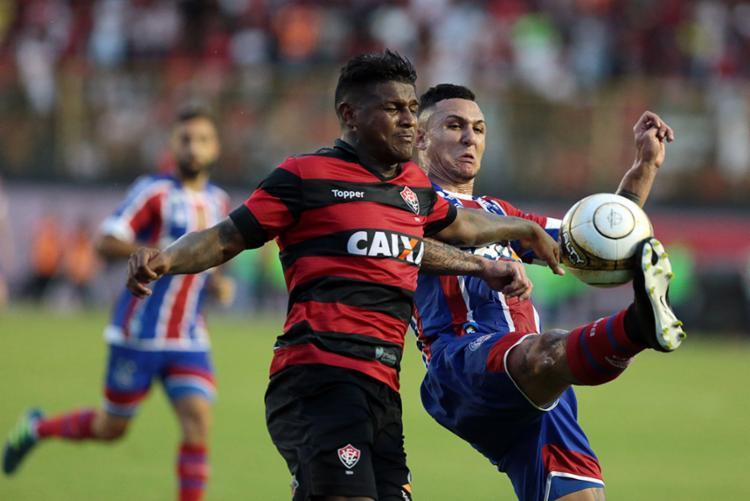 Enquanto o Vitória terá cerca de 10 dias de folga, o Bahia focará na semifinal da Copa do Nordeste - Foto: Raul Spinassé | Ag. A TARDE