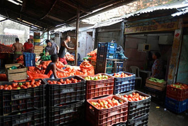 Um dos produtos que mais tiveram alta durante a greve, a batata, ainda não voltou a sua normalidade - Foto: Shirley Stolze   Ag. A Tarde