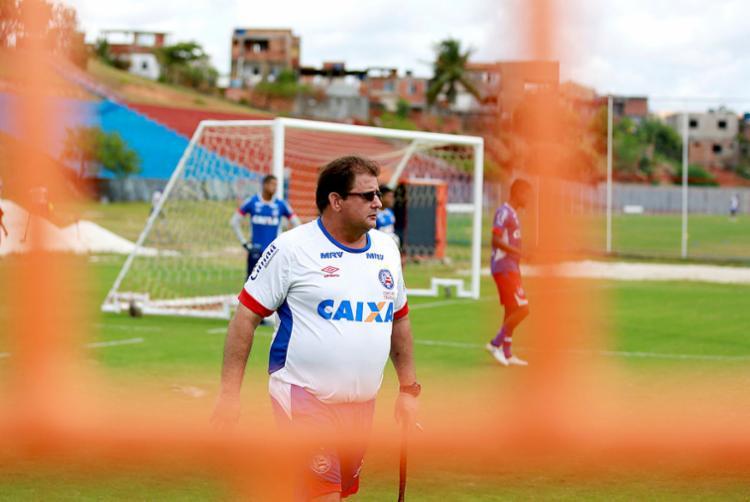 Técnico não resiste a revés na Fonte Nova diante do time gaúcho, que mantém o Esquadrão na z-4 - Foto: Felipe Oliveira | EC Bahia | Divulgação