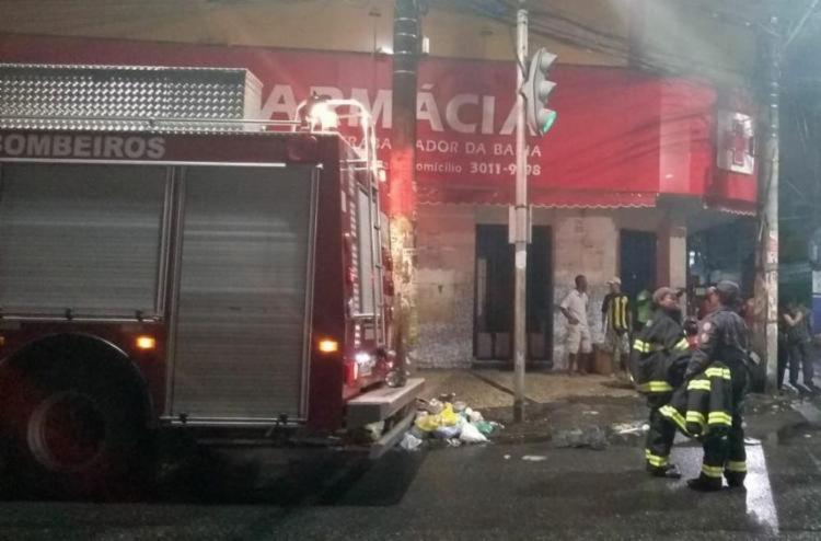 Bombeiros foram acionados para conter incêndio em farmácia na Liberdade | Foto: Divulgação | SSP