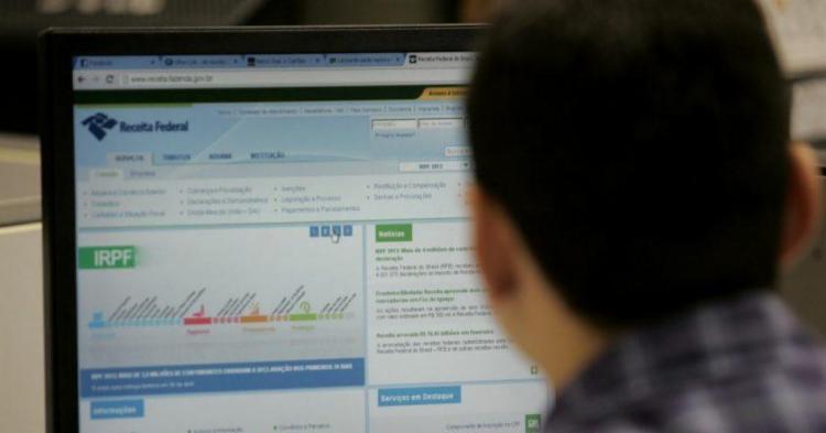 Consulta à restituição pode ser feita no site da Receita Federal - Foto: Divulgação