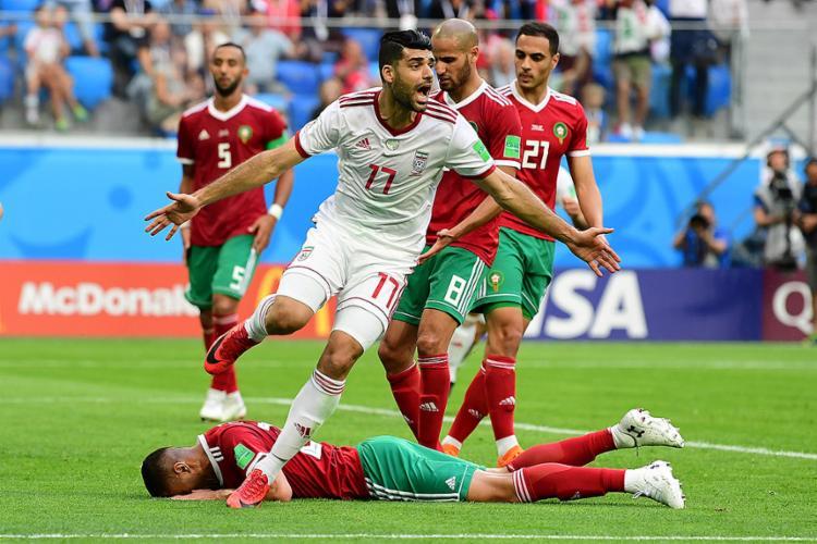 A seleção iraniana comemorou como se fosse título a dramática vitória, a segunda em Mundiais - Foto: Giuseppe Cacace l AFP
