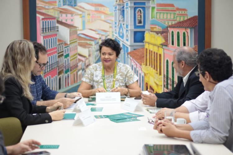O protocolo de intenções para instalar uma processadora de frutas orgânicas no município de Lençóis foi assinado na sexta-feira (29) - Foto: Marcelo Ferrão/GOVBA