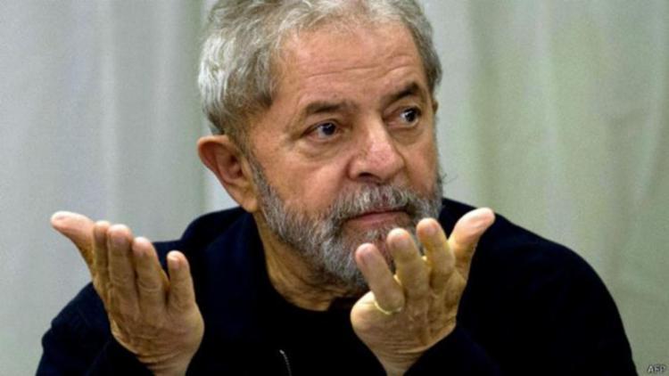 Lula cumpre sua pena na sede da Polícia Federal de Curitiba desde a noite de 7 de abril - Foto: AFP Photo