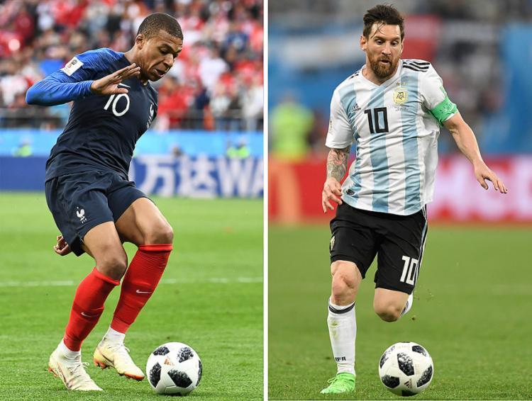 Mbappé e Messi medem forças neste sábado, 30, em Karzan - Foto: Gabriel Bouys e Anne-Christine Poujoulat l AFP