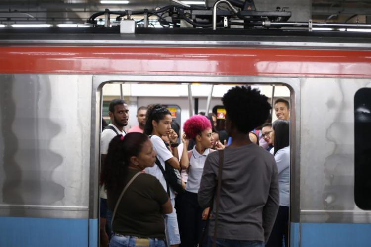 Primeiro trem saiu às 9h06 da Estação Pirajá
