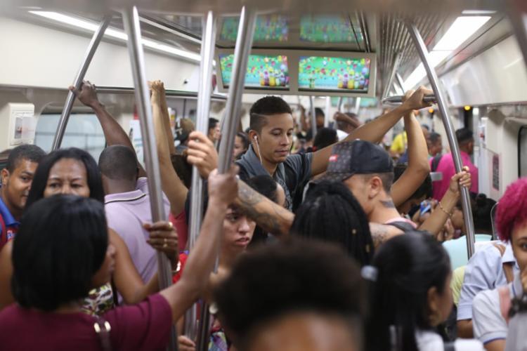 Primeiro trem da Estação Pirajá saiu lotado