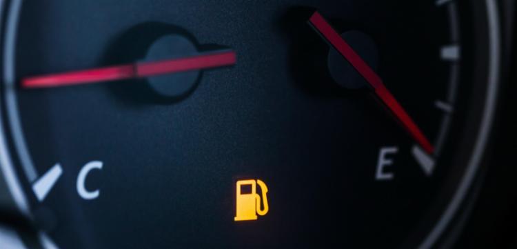 Rodar até o limite do tanque pode prejudicar o funcionamento do carro - Foto: Divulgação