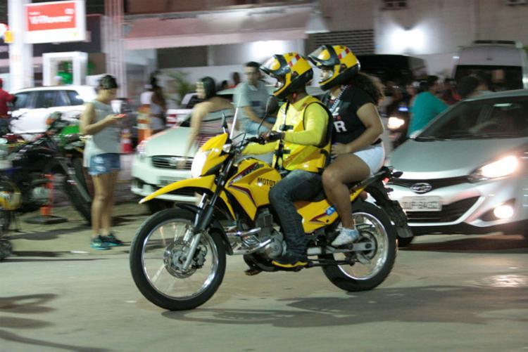 Segundo o Decreto Municipal, as motos devem possuir a cor amarela - Foto: Luciano da Matta | Ag. A TARDE