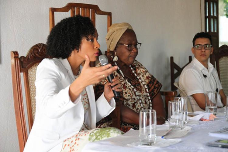 A promotora Lívia Vaz falou da importância de fortalecer o projeto em prol dos terreiros - Foto: Reprodução | MPBA