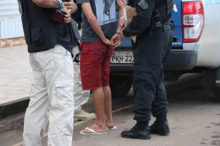 Um dos presos na megaoperação em Valença | Foto: Alberto Maraux | SSP-BA