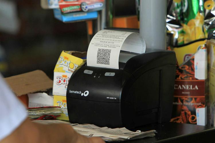 Para participar dos sorteios, é necessário solicitar a inclusão do CPF em notas ficais - Foto: Elói Corrêa | GOVBA
