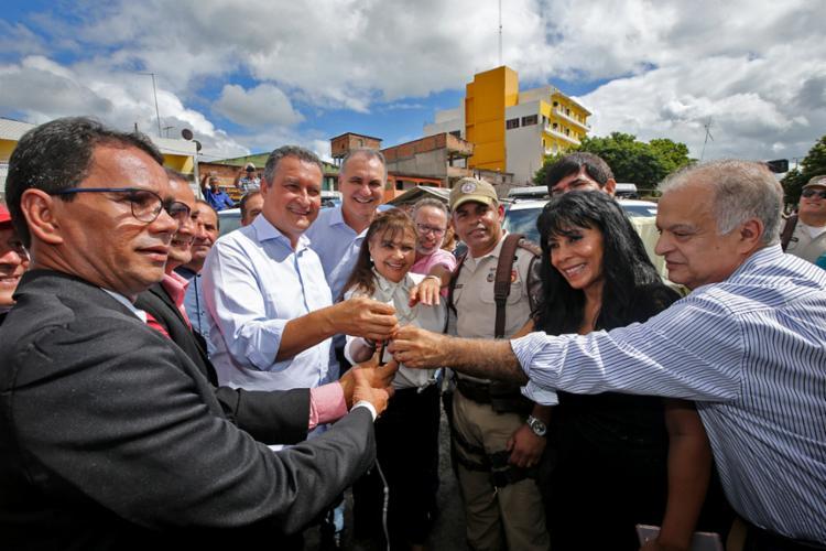 Em Pojuca, governador entregou viaturas e autorizou investimentos - Foto: Divulgação | SECOM