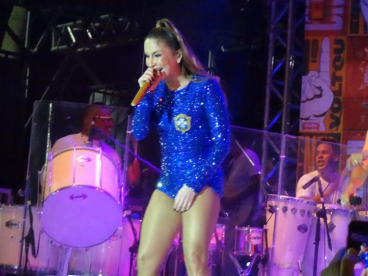 Cantora ainda revelou para o A TARDE o seu tema para o próximo Carnaval - Foto: Cidadão Repórter | Márcio Serafim