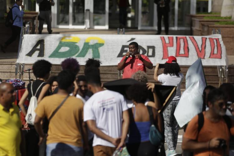 Durante o protesto foram mantidos as mesmas reivindicações dos petroleiros