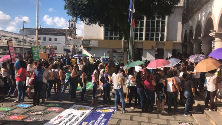 Servidores estão em frente a Câmara dos Vereadores - Foto: Cidadão Repórter | Reprodução