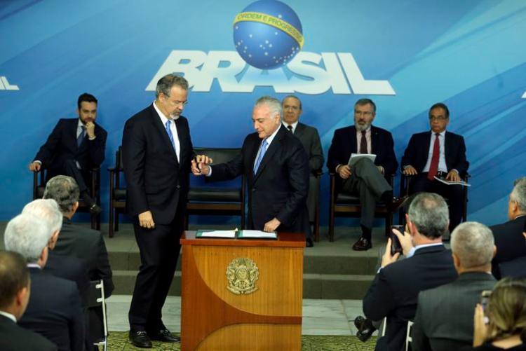Raul Jungmann e Michel Temer participaram da cerimônia de sanção da lei - Foto: Valter Campanato   Agência Brasil