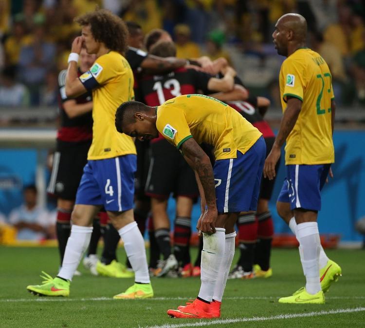 Belo Horizonte, 8 de julho 2014. Davi Luiz, Luiz Gustavo e Maicon após o 7x1 contra a Alemanha nas semifinais da Copa do Mundo 2014.