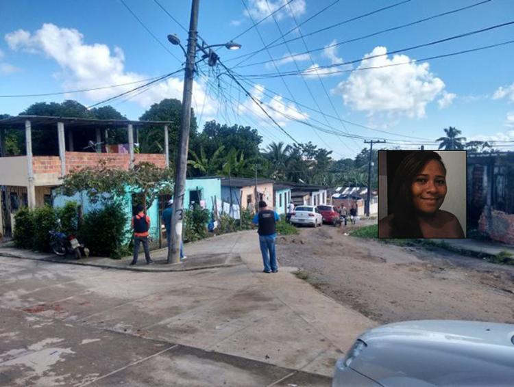 Policiais do Departamento de Homicídios foram a Periperi em busca de pistas - Foto: Euzeni Daltro l Ag. A TARDE