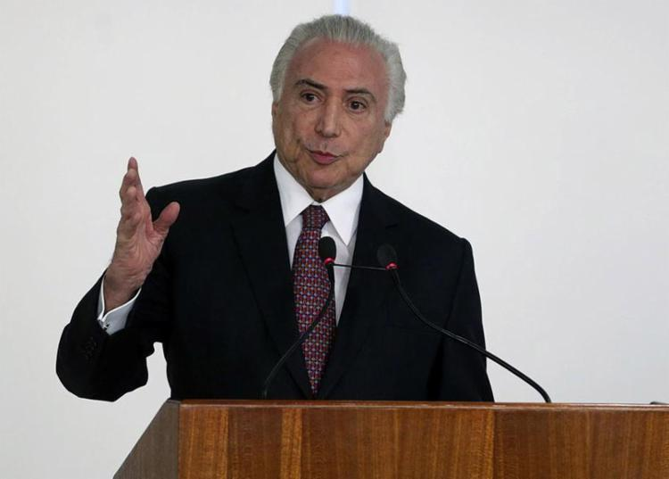 O presidente diz que vai reduzir de 11,5% para 7% a dependência externa de combustíveis - Foto: Valter Campanato l Agência Brasil