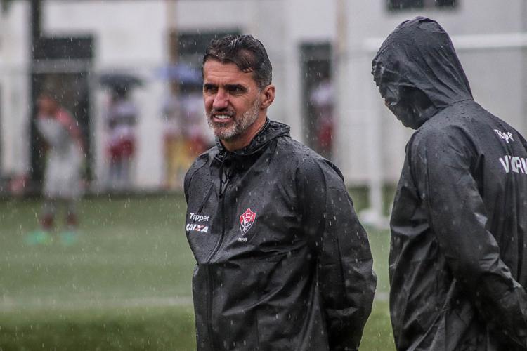Vagner Mancini já usou nove duplas de zaga diferentes nesta temporada - Foto: Maurícia da Matta l EC Vitória