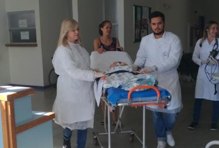 Bebê deixa o leito hospitalar depois de 19 meses de nascido