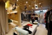Loja na Pituba aluga roupas femininas de marcas famosas | Foto: Adilton Venegeroles / Ag. A TARDE