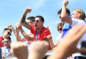 Croácia é recebida com festa por torcedores em sua chegada a Zagreb | Foto: AFP