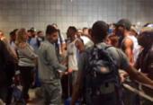 Delegação do Bahia encara protesto no desembarque em Salvador | Foto: Reprodução | Whatsapp