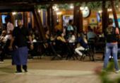 Mesa de bar: garçons mostram como driblam clientes incovenientes com humor e experiência | Foto: Adilton Venegeroles / Ag. A TARDE