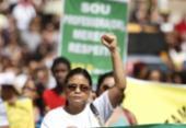 Professores de Salvador mantêm greve e fazem caminhada até a prefeitura | Foto: Raul Spinassé | Ag. ATARDE