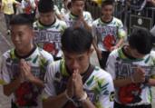 Meninos da caverna farão retiro espiritual na Tailândia   Lillian Suwanrumpha   AFP
