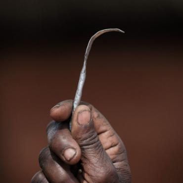 Quase 200 milhões de mulheres e crianças em 30 países já sofreram mutilação genital - Foto: AFP